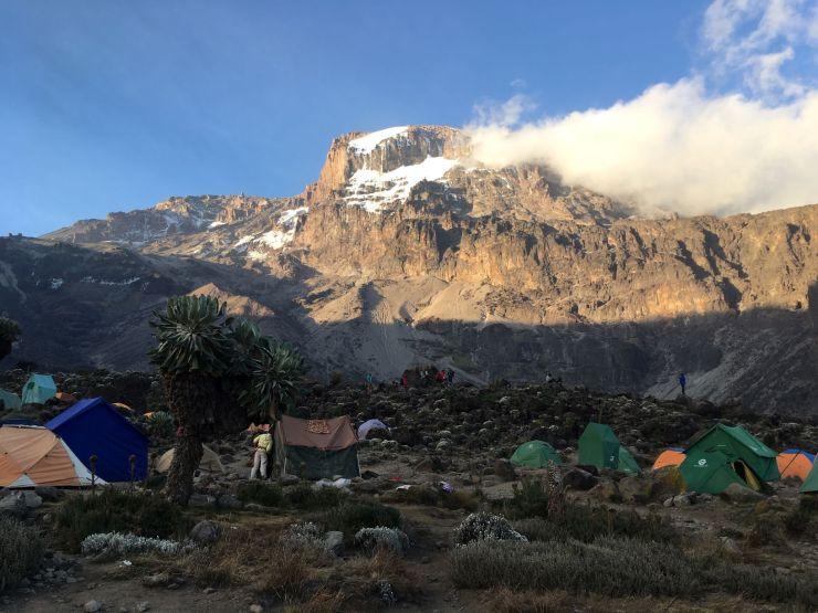 Barranco camp met zicht op Barranco wall